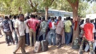 Un groupe de travailleurs migrants expulsés de Libye en 2008, à Bamako.