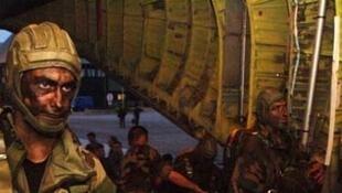 法国第13龙骑兵伞兵团