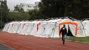 Un campement a été installé sur le campus d'une université parisienne pour accueillir près de 150 migrants de la Porte de la Chapelle.