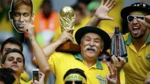 Des supporters brésiliens durant la Coupe du monde 2014.