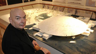French architect Jean Nouvel and his model of  the Louvre Abu Dhabi.