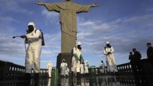 2020-08-13T125126Z_2005765022_RC20DI9LMWU0_RTRMADP_3_HEALTH-CORONAVIRUS-BRAZIL-TOURISM