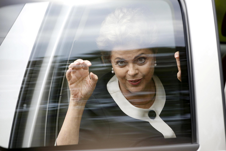 Dilma Rousseff a encore un peu plus de deux semaines pour présenter sa défense.