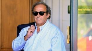 میشل پلاتینی ستاره پیشین فوتبال فرانسه و معاون سابق فیفا تحت بازداشت موقت قرار گرفت