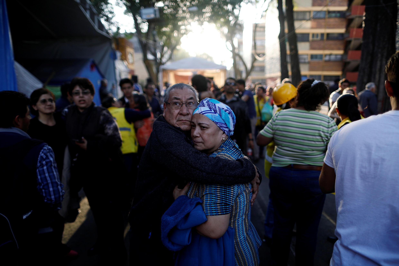 Nas ruas da capital, o terremoto deixou moradores apavorados.