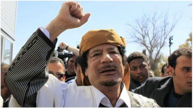 Muammar Gaddafi aliuawa mwezi Oktoba 2011, wakati  nchi za Magharibi ziliingilia kati kijeshi nchin mwake.