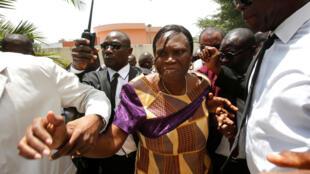 Simone Gbagbo, quelques minutes après sa sortie de prison, mercredi 8 août 2018.