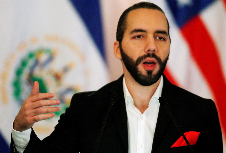 """""""NINGUNA resolución está por encima del derecho constitucional a la vida y salud del pueblo salvadoreño"""", escribió el presidente Nayib Bukele en Twitter para defender su política."""