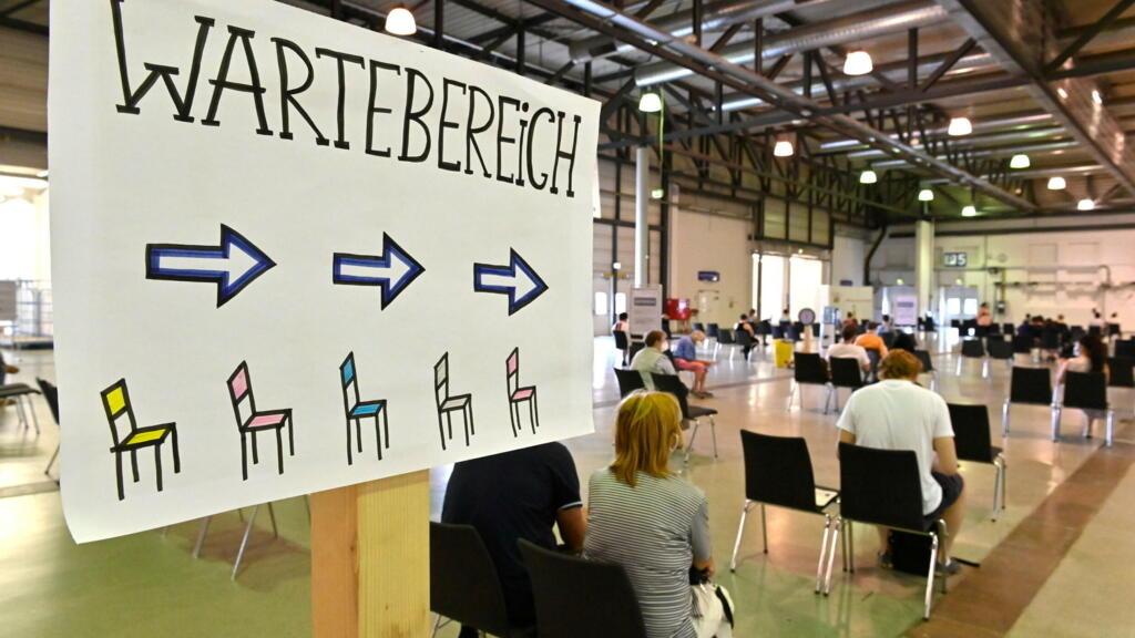 Covid-19: l'Allemagne va proposer un rappel vaccinal et élargir l'offre pour les adolescents