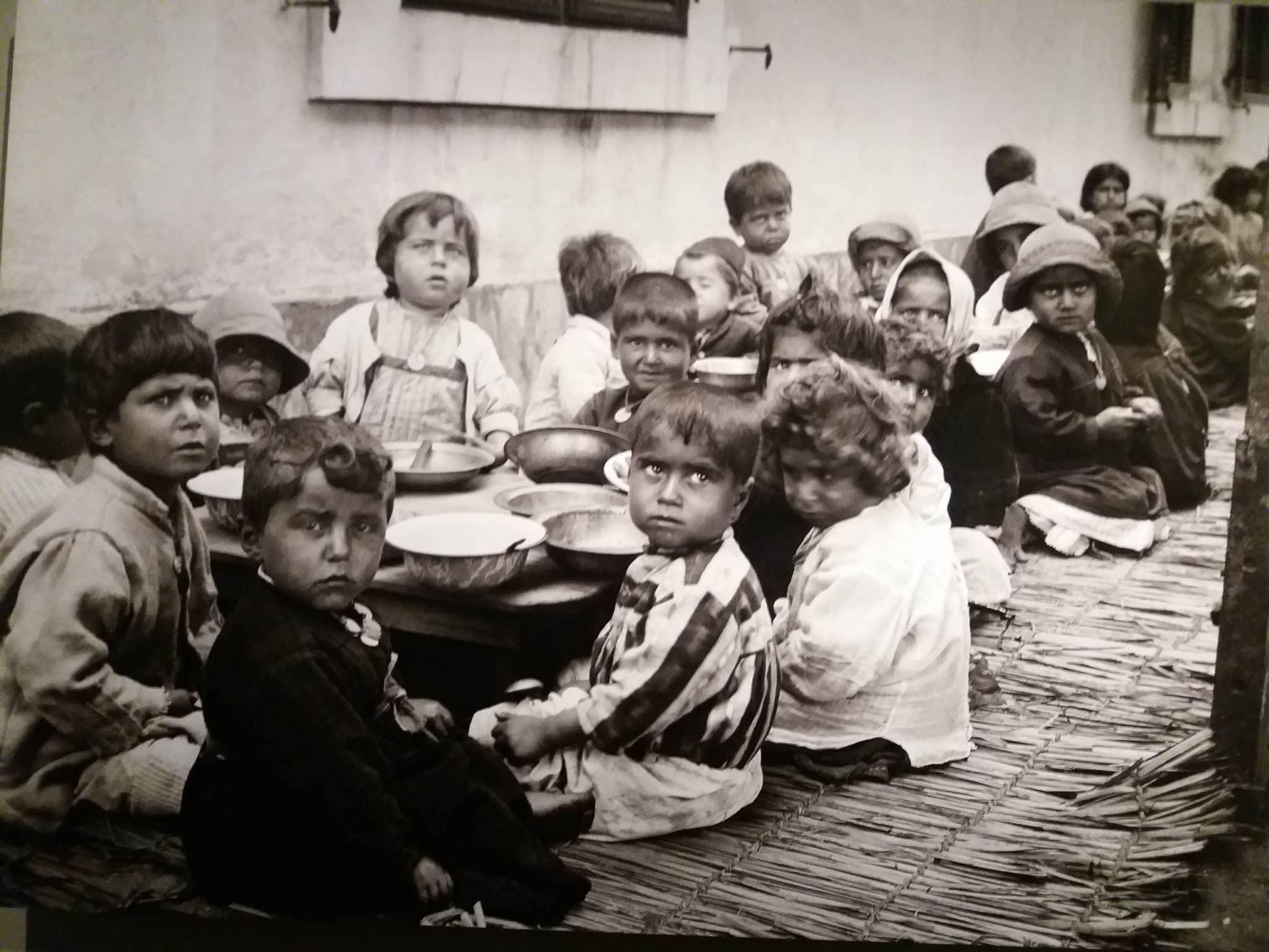 Армянские дети-беженцы в египетском Порт-Саиде