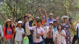 ក្មេងៗពិការខួរក្បាល និងក្រុមការងារនៅអង្គការសកម្មភាពយុវជនពិការកម្ពុជា រឺ Action Cambodge Handicap ។