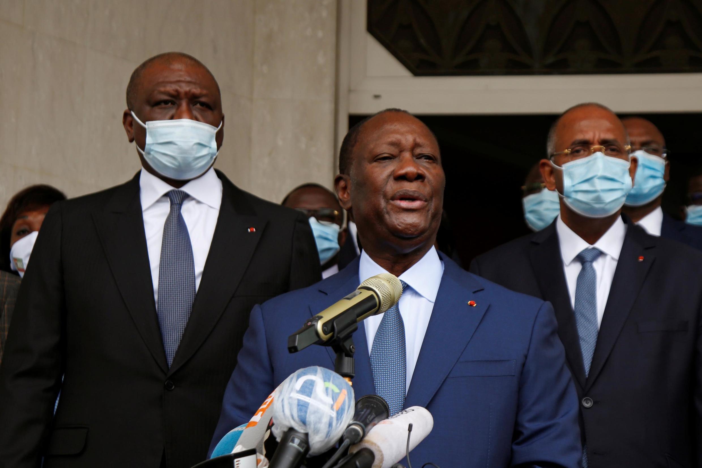 Le président ivoirien Alassane Ouattara après avoir déposé sa candidature à la Commission électorale, le 24 août 2020.