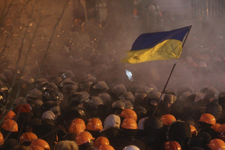 Manifestantes estão mobilizados há duas semanas em Kiev, Ucrânia.