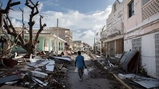 "Большинство строений на острове Сен-Мартен после урагана ""Ирма"" разрушено"