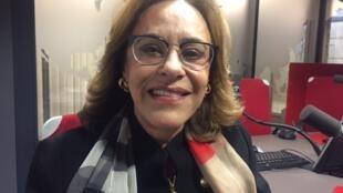 A embaixadora Maria Edileuza Fontenele Reis, cônsul-geral do Brasil na França, de passagem pelos estúdios da RFI