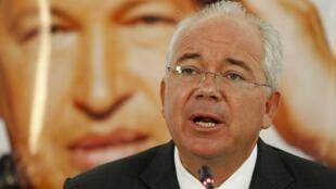 El ministro de Energía y Petróleo venezolano Rafael Ramírez, este 13 de febrero de 2013 en la sede de la empresa nacional de petróleo PDVSA, en Caracas.