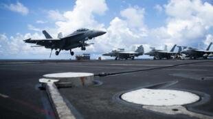 """美国海军""""里根号""""航母舰载机资料图片"""