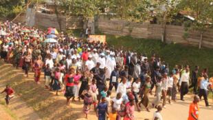 Territoire de Walikale, Nord Kivu, RD Congo : Marche pour la paix organisée dans le cadre du dialogue social, un forum de trois jours ayant rassemblé plus de 300 participants venus des 16  groupements  du territoire de Walikale.