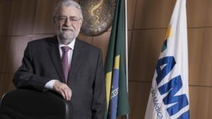 César Eduardo Fernandes, presidente da Associação Médica Brasileira (AMB).
