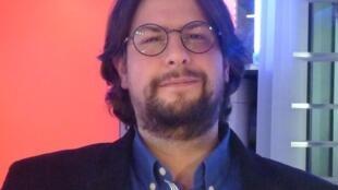 El escritor francés Pablo Daniel magee en RFI