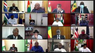 Hotunan taron shugabannin kasashen ECOWAS ta kafar bidiyon Internet kan kasar Mali.