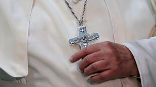 Papa aprova criação de um tribunal para julgar bispos que encobrem casos de pedofilia (imagem de ilustração).