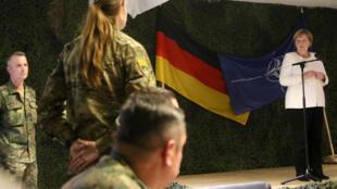 Le 14 septembre, la chancelière allemande Angela Merkel, a rendu visite aux soldats allemands engagés auprès de l'Otan en Lituanie.