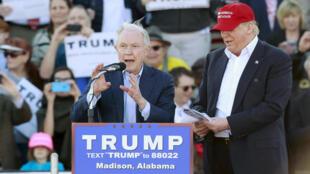 Jeff Sessions tare da Donal Trump wajen yakin neman zaben 2016