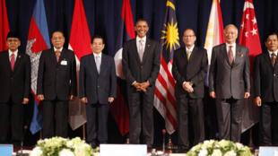 Tổng thống Mỹ B.Obama (thứ ba từ trái qua) và các lãnh đạo ASEAN, tại Hội nghị New York, 24/09/2010