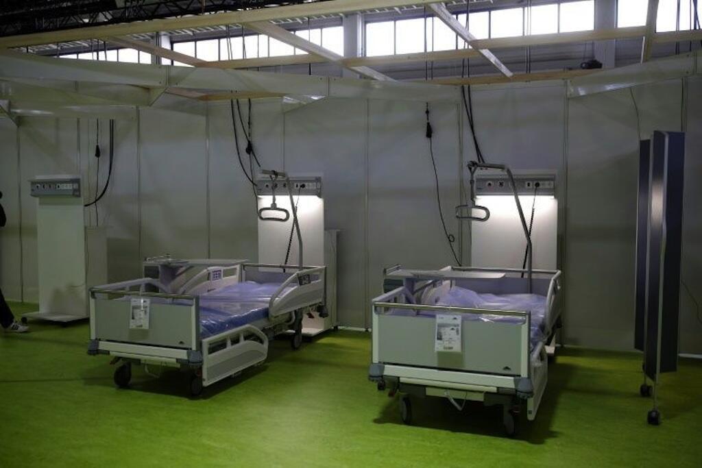 Hospitali inayohudumia wagonjwa wa Corona iliyoanzishwa katika Kituo cha Maonyesho cha Berlin, picha iliyopigwa Aprili 23, 2020.