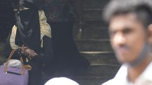 Femme Burqa Sri Lanka