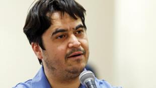 Ruhollah Zam habla durante su juicio ante un tribunal iraní, el 30 de junio de 2020 en Teherán