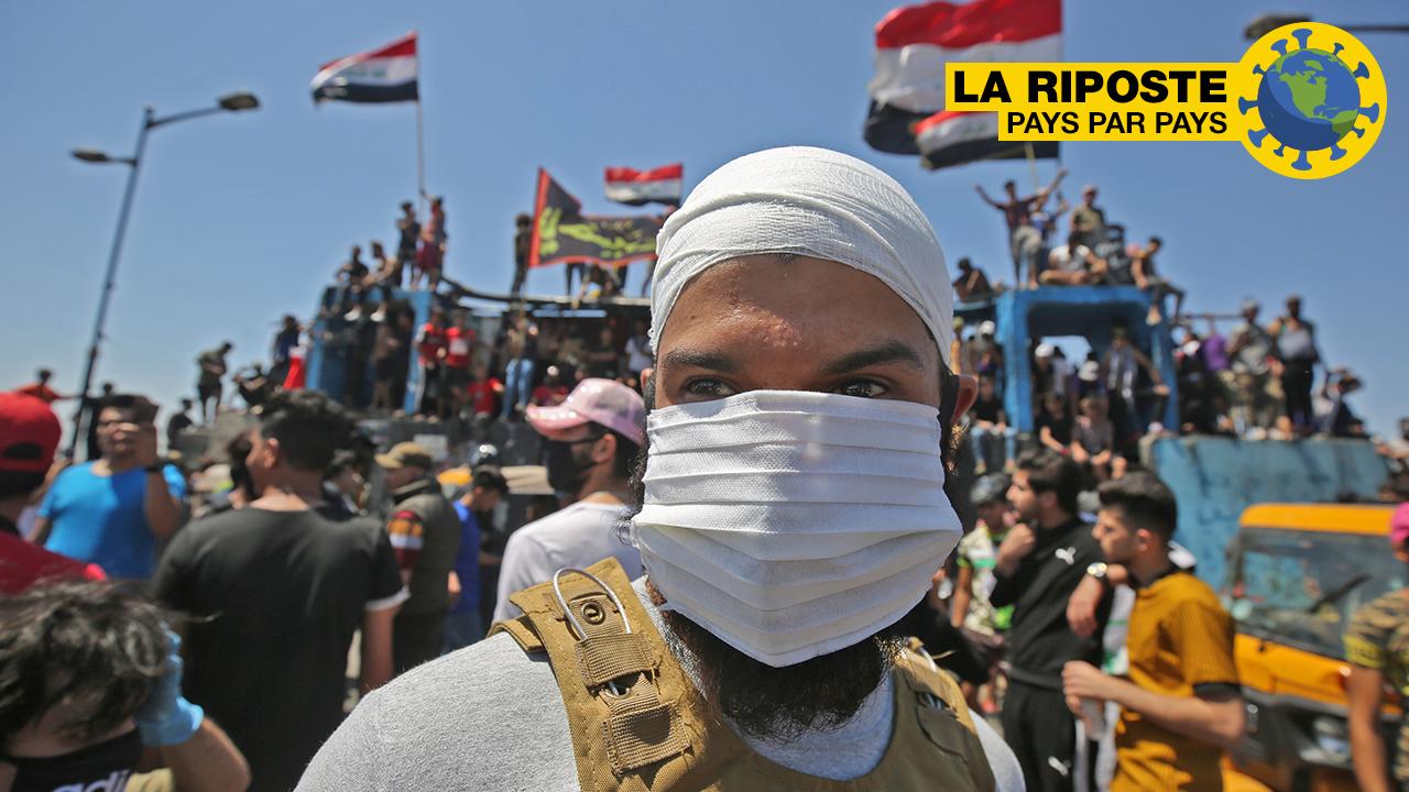 Mmoja wa waandamanaji wakati wa maandamano ya kupinga serikali kwenye Daraja la Al-Jumhuriyah huko Baghdad, Iraq, Mei 10, 2020.