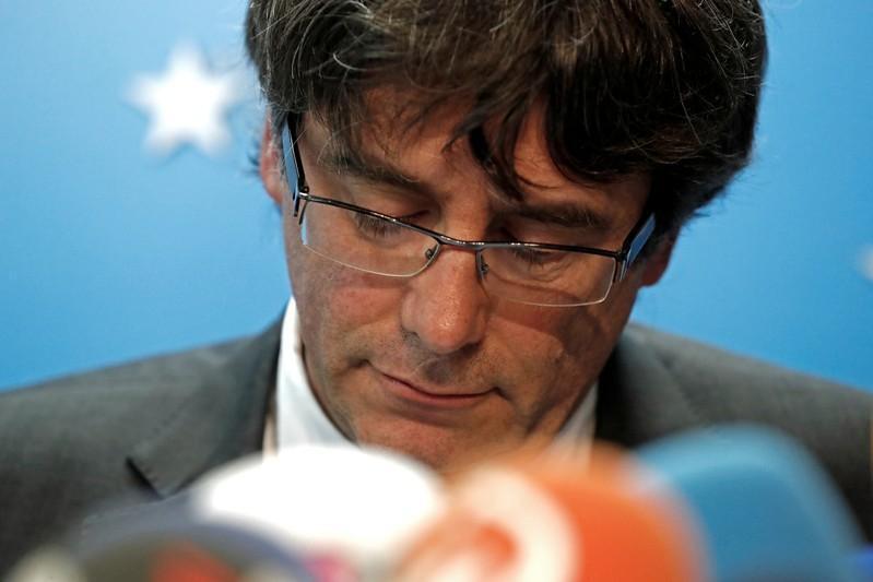 Korarren shugaban yankin Catalonia Carles Puigdemont yayinda yake halartar taro da manema labarai a birnin Brussels na Belgium.
