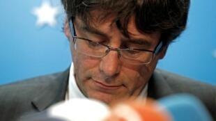 Carles Puigdemont e quatro ex-ministros catalães aguardam, presos, a decisão da justiça belga.