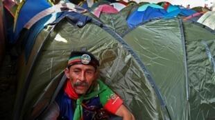 Les indigènes comptent protester ainsi contre la vague de violences qui fait rage dans leurs territoires, et contre le non-respect des accords de paix signés en 2016 entre le gouvernement colombien et l'ancienne guérilla des Farc.
