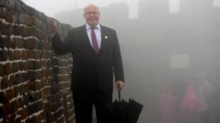 德国经济部长阿尔特迈尔在北京出席一带一路会议期间参观长城