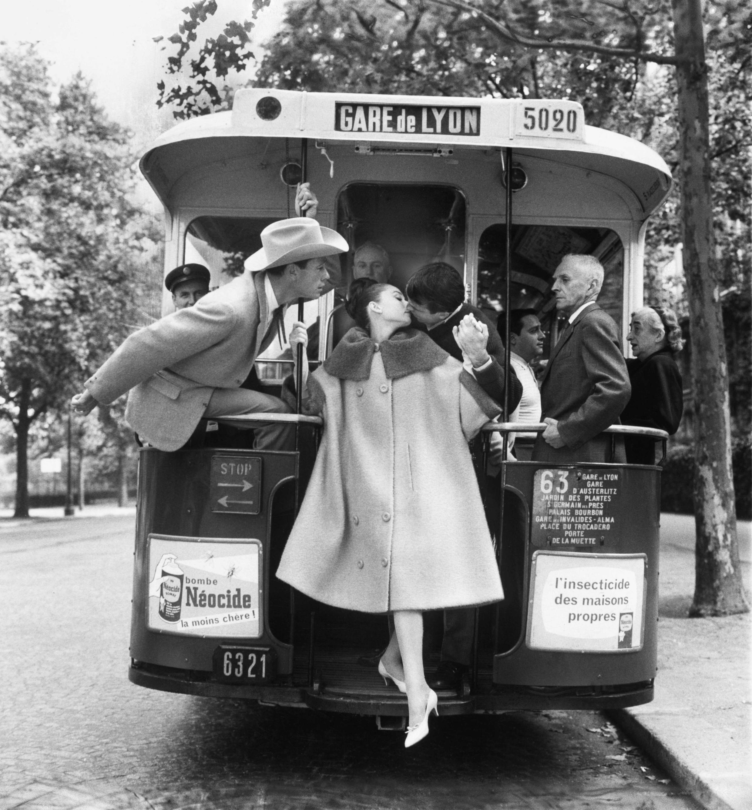 Audrey Hepburn fotografada em Paris por Avedon, em 1959