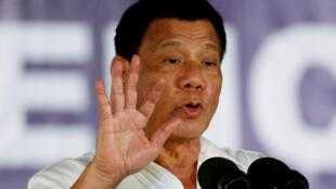 Tổng thống Rodrigo Duterte phát biểu trong một cuộc vận động bài trừ ma túy tại Clark Freeport Zone, Pampanga, Philippines 22/12/2016.