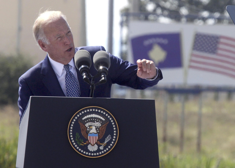 អនុប្រធានាធិបតីអាមេរិក Joe Biden បានសុំអោយប្រធានាធិបតីអ៊ុយក្រែន បំពេញតាមកិច្ចព្រមព្រៀងក្រុងមីនស្ក៏។