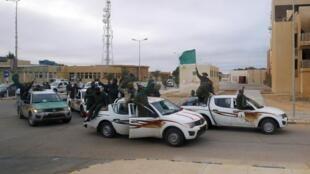 Военные полковника Каддафи в городе Рас Лануф, 12 марта 2011 года