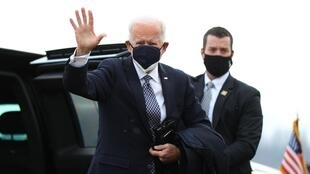 Shugaban Amurka Joe Biden bayan kammala ziyarar cibiyar harhada magunguna na Pfizer