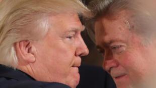 Steve Bannon (à dr.) et Donald Trump (g.) en 2017 (image d'illustration).