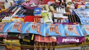 L'OMS estime que 30 à 60% des médicaments commercialisés en Afrique sont des contrefaçons.