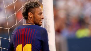 Katika klabu ya PSG, mshambuliaji nyota wa Brazil Neymar atalilipwa mshahara wa euro Milioni 30 kwa mwaka.