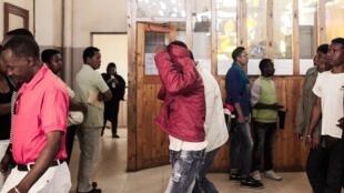 Les accusés arrivent jeudi 8 octobre à l'audience au tribunal d'Antananarivo pour l'avant-dernier jour du procès du lynchage de Nosy Be.
