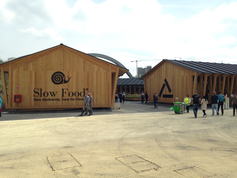 Pavilhão do movimento Slow Food na Expo 2015 tem atraído visitantes, apesar de sua localização