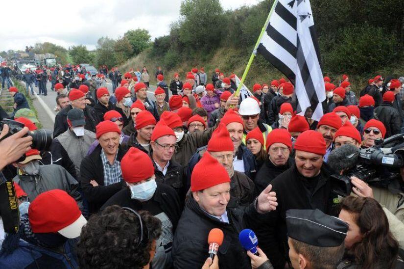 Манифестация против эконалога в Пон-де-Бюи (Бретань) 26/10/2013