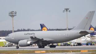 德國從武漢撤出了第一批僑民的飛機,2020年2月1日