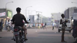Une rue dans le quartier de Kasavubu à Kinshasa.